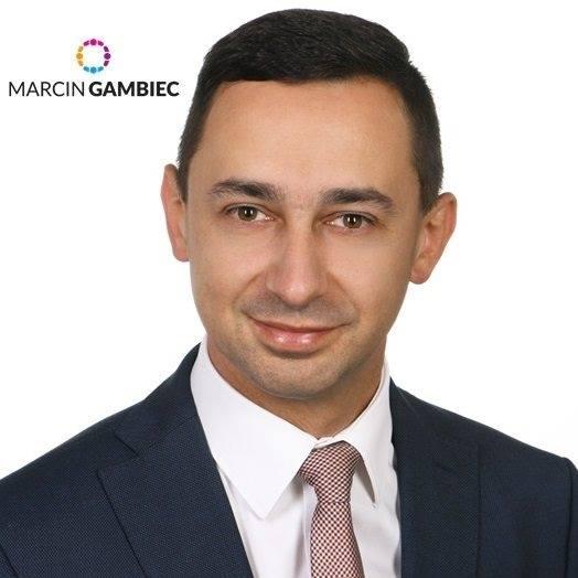 Sprawdzamy sondaże - https://www.sprawdzamysondaze.pl/samorzadowe-2018/wp-content/uploads/2018/09/Marcin-Gambiec.jpg