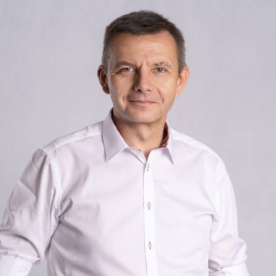 Sprawdzamy sondaże - https://www.sprawdzamysondaze.pl/samorzadowe-2018/wp-content/uploads/2018/09/Robert-Surowiec.jpg