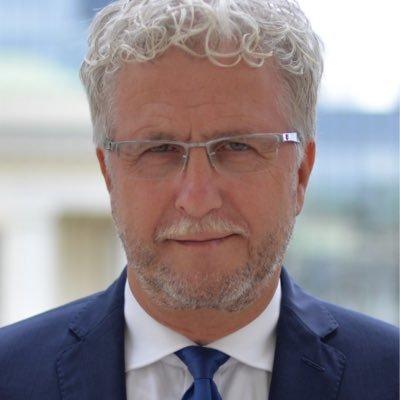 Sprawdzamy sondaże - http://www.sprawdzamysondaze.pl/wp/wp-content/uploads/2018/08/Warszawa_Jacek_Wojciechowicz.jpg